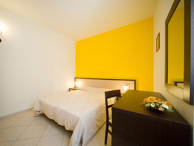 Struttura affittacamere quattro ducati bed and for Quattro piani di casa camera da letto ranch
